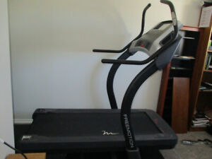 Freemotion 40% Incline trainer