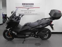 18 REG YAMAHA XP 530 T MAX DX TOP OF THE RANGE LOADED WITH EXTRA GOODIES