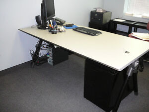 BUREAU HAUT DE GAMME HIGH END OFFICE DESK