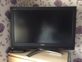 Toshiba 36 inch TV with remote