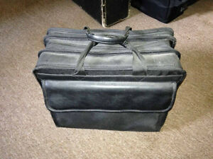 "Top-loading 15"" Laptop Case"