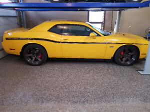 2012 Dodge Challenger SRT8 Yellow Jacket Coupe (2 door)