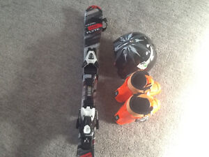 90cm skiis, 233mm boots, small helmet good for 4-5 year old
