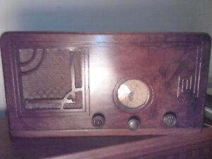1933 Serenader radio Belleville Belleville Area image 1