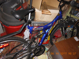 Nice Looking Virtually Brand New Bike 18 Speed Mud Dawg