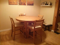 EQ3 table and chairs