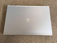Hp EliteBook 8640p core i5 320GB 4GB Windows 7 laptop