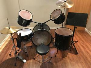 Kit de drum  Target Pearl (valeur de ~ $750.00) prix négociable