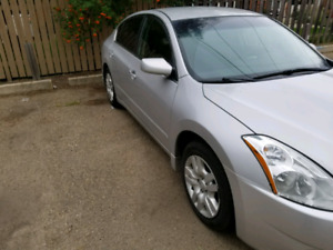 2012 Nissan altima 2.5s 9,000 or OBO