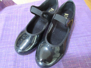 Girls black patent leather tap shoes - `Bloch Size 13.5