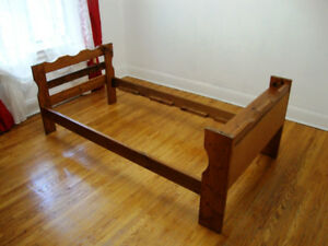 Solid-wood Knotty Pine (twin) bed