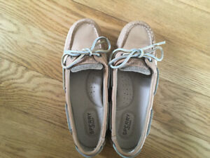 "Sperry ""Angelfish"" tan boat shoes, brand new size 6.5."