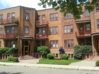 Apartment (2 bedrooms) Town of Mount Royal for rent