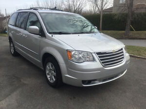 Chrysler Town & Country Touring 2010 / 7495$