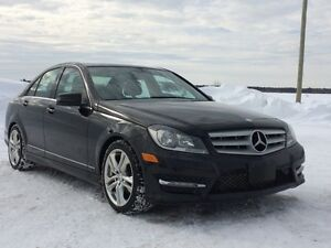 2012 Mercedes-Benz C250 4MATIC Sedan Noir