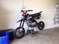 Stomp 140cc pitbike mint condition
