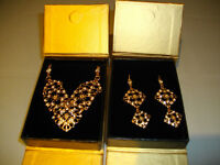 Avon Signature Collection Necklace and Earrings Set - New in box