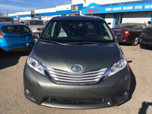 2011 Toyota Sienna Limited AWD Pano-Roof,DVD,Leather,Camera,GPS