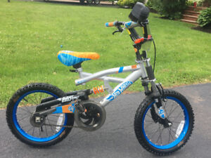 Kids Hot Wheels BMX Bike