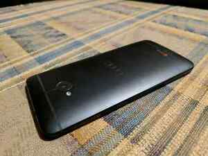 HTC ONE m7 32Gb Unlocked (Very good condition, No box)