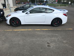 2015 Hyundai Genesis Coupe R-SPEC 3.8 V6, 348HP LOW KM