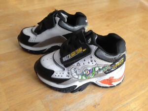 Buzz Lightyear Light-up Sneaker - Size 5