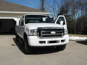 2006 Ford F-350 XLT Pickup Truck  ( New Glasgow Area)