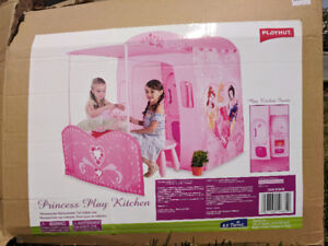 Tent Playhouse Princess play kitchen Like NEW