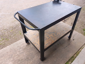Steel Bench with vise