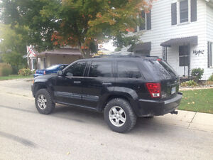 Very Sharp 2006 Jeep Grand Cherokee Laredo!!