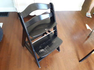 Hauck Alpha High Chair - with Leap Frog tray and accessories