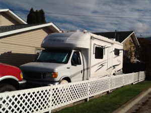 2005 Gulfstream BT Cruiser motorhome in excellent condition