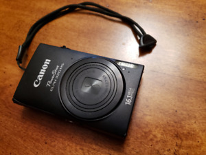 Camera \\ Canon PowerShot ELPH 320HS \\ Excellent Condition