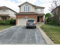 Beautiful House in Dearborn Waterloo close to everything