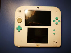 Excellent Condition 2DS - White/Sea Green