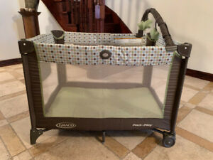 Graco Pack & Play - Like New!