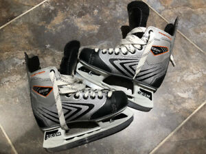 Boys Size 3 CCM Vector 1.0 Custom ProFormance Hockey Skates
