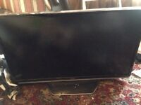 """40"""" LCD Toshiba TV Spares or Repairs Cracked Screen Good Condition Can Deliver"""