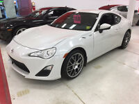 2013 Scion FR-S Coupe (only 23,000 kms)_