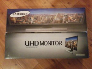 "Samsung 28"" 4K UHD 60Hz 1ms GTG TN LED FreeSync Gaming Monitor"