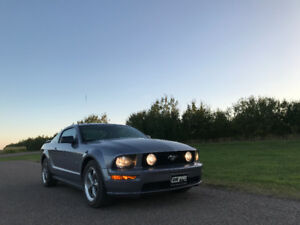 2006 Ford Mustang GT (quick sale)