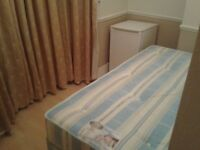 *** Affordable Box Room in Star Lane , All inclusive ***