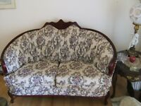 Causeuse et chaise / Love Seat and Chair