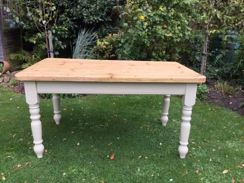 Solid Pine Farmhouse Kitchen Table....5 ft x 3 ft