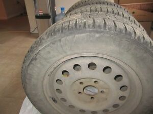 "Set of 4 Izen Studded Winter Tires on Rims-P225/60R16"" Regina Regina Area image 2"
