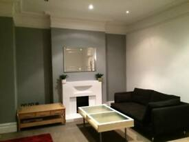 3 bedroom flat in Hazelbourne Road, London, Hertfordshire, SW12