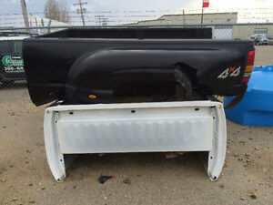 Dually truck bed from a 2007 era Sierra