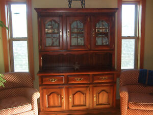 Buffet & Hutch with matching Table