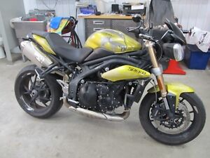 TRIUMPH SPEED TRIPLE 2013