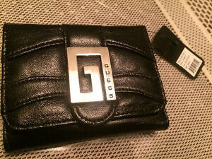 Selling 3 different GUESS brand wallets West Island Greater Montréal image 7